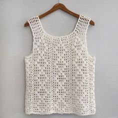 HEARTBURN VINTAGE ::: Vintage White Handmade Crochet Knit Sleeveless Festival Tank Top para vender Your place to buy and sell all things handmade Crochet Bodycon Dresses, Black Crochet Dress, Crochet Blouse, Débardeurs Au Crochet, Hand Crochet, Crochet Bird Patterns, Handgestrickte Pullover, Crochet Tank Tops, Diy Couture