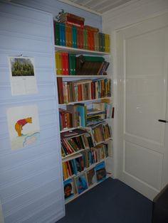 in dit ondiepe nisje passen heel veel boeken....