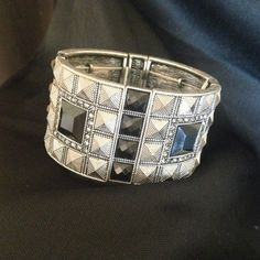 Swarovski crystal bracelet. BNWT Stunning bracelet in perfect condition. Never worn. Please ask any questions. Offers accepted. This is park lane brand but has Swarovski crystals in it. Not Kate spade. kate spade Jewelry