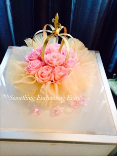 Gold crowns with pink roses centerpieces