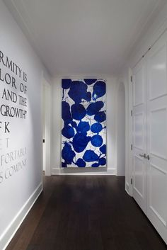Ritz-Carlton Showcase Apartment by Julia Wong – Traditional Home hallway art William Morris Wallpaper, Tableau Pop Art, Hallway Art, White Hallway, Long Hallway, Paint Companies, Large Painting, Blue Painting, Large Art