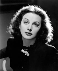 La actriz e ingeniera austríaca Hedy Lamarr