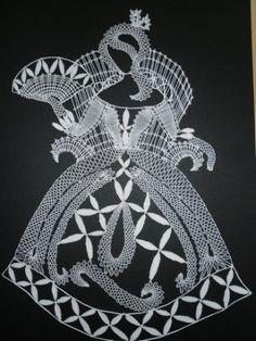 Bobbin Lace Patterns, Crochet Patterns, Crochet Diagram, Free Crochet, Lace Heart, Types Of Craft, Lace Jewelry, Lace Making, Celtic Knot