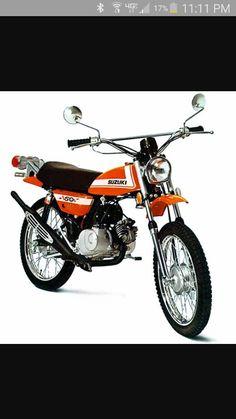 My first bike 7 years old Suzuki Cool Picks, Japanese Motorcycle, Suzuki Motorcycle, Mini Bike, Dirt Bikes, Offroad, Old School, Trail, Racing