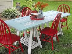 Turn an old door frame into a picnic table. If you have access to an old door no one needs, take a look at this idea. Complete your garden with a DIY picnic table. Dining Furniture, Painted Furniture, Diy Furniture, Outdoor Furniture, Painted Chairs, Wooden Chairs, Metal Chairs, Metal Furniture, Upcycled Furniture
