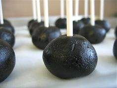 Oreo cake pop recipe:  but dipped in white chocolate with white sparkles to look like the planet Hoth...for Star Wars birthday.