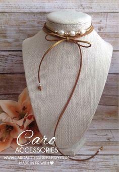 Hermoso collar ajustable dorado metálico. Perlas cultivadas y granos enchapados…