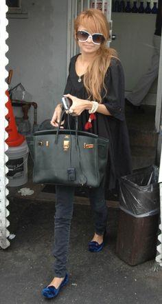 Nicole Richie wearing Hermes Birkin Bag,  Leaving La Conversation Restaurant in Hollywood October 13 2006