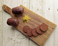 Saberes e sabores da gastronomia minhota, concentrados na Minho Fumeiro.   E você, já provou o Fumeiro deste ano?  #gastronomia #fumeiro #Portugal