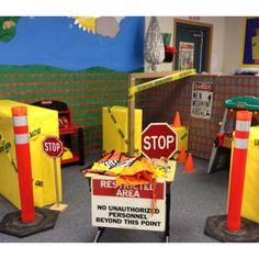 Construction Zone Dramatic Play: have different blacks, orange cones, & work bench out. Dramatic Play Themes, Dramatic Play Area, Dramatic Play Centers, Preschool Classroom, In Kindergarten, Preschool Activities, Block Area, Block Center, Community Helpers Preschool