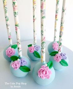 May Who Takes the Cake? Winner: The Cake Pop Shop by Jennie from Jacksonville, Florida. Her cake pops are incredible - click over to see! Take The Cake, Love Cake, Pretty Cakes, Beautiful Cakes, Pasteles Shabby Chic, Oreos, Flower Cake Pops, Shabby Chic Cakes, Sweet 16 Cakes