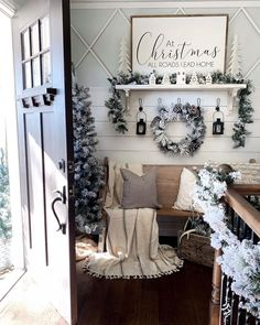 Are you curious the best way to apply an 10 Trending Farmhouse Inspired Decor Collection ? Look these inspirations under. We provide the perfect ones! Read more. Christmas Entryway, Farmhouse Christmas Decor, Cozy Christmas, Rustic Christmas, White Christmas, Christmas Ideas, Christmas Gifts, Xmas, Entryway Decor