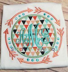 Tribal Aztec Arrows Monogram Frame Machine por StitchAwayApplique