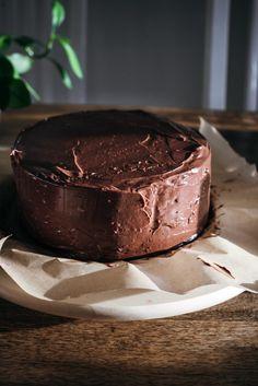 Pätkis-vadelmatäytekakku – Viimeistä murua myöten No Bake Desserts, Delicious Desserts, Sweet Bakery, Sweet And Salty, Something Sweet, Desert Recipes, Let Them Eat Cake, Amazing Cakes, Sweet Recipes