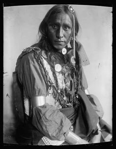 White War Bonnet. Sioux 1900