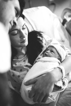 an incredibly beautiful birth story photo shoot starring up at mommy and daddy