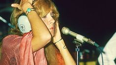 """Hear Stevie Nicks Go Unplugged For Angst-Filled """"Gold Dust Woman"""" Demo 