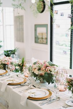 Take A Look At How This Pulled Off An Intimate Civil Wedding In Restaurant