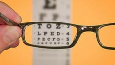 Would you like to know how to improve your eyesight? Would you like to do it naturally? Learn about some simple exercises to improve your eyesight. Health Tips, Health And Wellness, Health And Beauty, Health Foods, Health Benefits, Natural Cures, Natural Healing, Natural Treatments, Autogenic Training