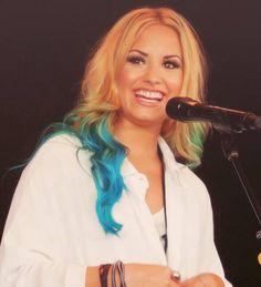 Demi Lovato... Hair obsession