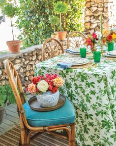 Southern Ladies, Tablescapes, Table Settings, Vibrant, Autumn, Seasons, Table Decorations, Tabletop, Summer