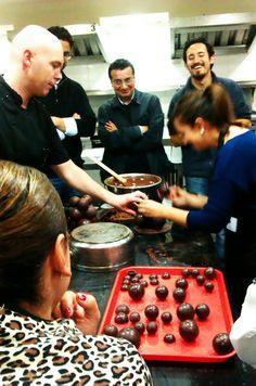 curso CHOCOLATE EXPERT en la U San Francisco de Quito con la Academia del Chocolate, gran experiencia