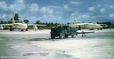 Navy Aircraft, Military Aircraft, Vickers Valiant, V Force, Avro Vulcan, Military Photos, Royal Air Force, Royal Navy, Cold War