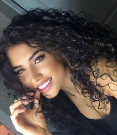 "Curly Hair inspiration on Instagram: ""Omg she is amazing 💋 She is @paityn_chynoweth Check her out"" Most Beautiful Faces, Beautiful Smile, Beautiful Women, Woman Face, Girl Face, Beauty Women, Hair Inspiration, Curly Hair Styles, Beauty Makeup"