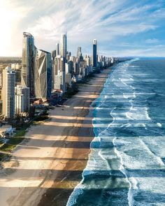 How awesome do those shadows look? What an amazing shot of Surfers Paradise, Gold Coast, 🌊 Photo by Tag Your Friends😍 Source Australia Fun Facts, Australia Tourism, Australia Photos, Queensland Australia, South Australia, Western Australia, Victoria Australia, Visit Australia, Wallpaper Paisajes