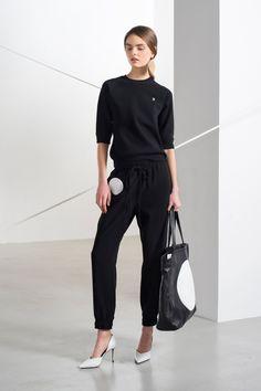 Lisa Perry Pre-Fall 2016 Collection Photos - Vogue