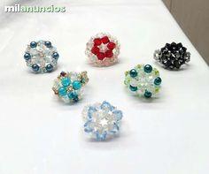 . vendo anillos hechos a mano de cristal checo y cristales de SWAROVSKI en cualquier color. tambien envio por correo