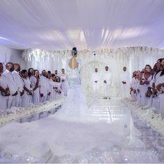 Keyshia Ka'Oir 🇯🇲and Gucci Mane 🇺🇸Wedding. Wedding Goals, Dream Wedding, Wedding Day, Wedding Stuff, Luxury Wedding, Wedding Blog, Lace Wedding, Gucci Mane Wedding, All White Wedding