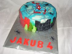 cake spiderman dort