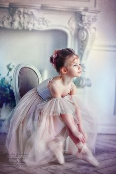 - - The Effective Pictures We Offer You About Decoupage clock A quality picture can tell y Ballerina Art, Ballet Art, Little Ballerina, Ballet Dancers, Dancer Photography, Children Photography, Ballet Painting, Ballet Kids, Dance Poses