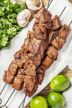 Marinated Beef Kabobs, Spiced Beef, Top Sirloin Steak, Cooking On The Grill, Rice Vinegar, Tandoori Chicken, Beef Recipes, Main Dishes, Grilling