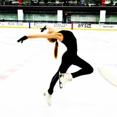 Gracie Gold Gracie Gold, Figure Skating Moves, Figure Skating Dresses, Roller Skating, Ice Skating, Skating Pictures, Figure Ice Skates, Skate 3, Pic Pose