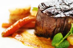 Marinade pour tournedos de boeuf Sauces, Sauce Barbecue, The Fam, Food Lists, Beef Recipes, Carne, Steak, Easy Meals, Cooking