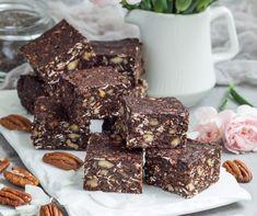 Szuperegészséges csokikocka Recept képpel - Mindmegette.hu - Receptek Granola, Cheddar, Cereal, Breakfast, Food, Morning Coffee, Cheddar Cheese, Granola Cereal, Meals