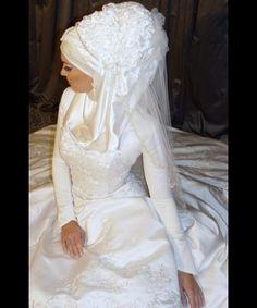 Muslim Bridal Hijab, Wedding Hijab, Muslim Wedding Dresses, Muslim Brides, Islamic Fashion, Muslim Fashion, Muslimah Wedding, Arab Wedding, Hijabi Girl