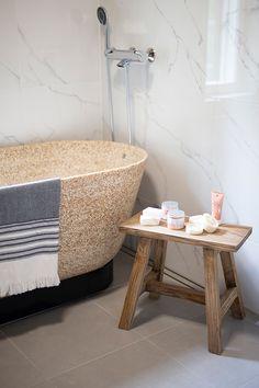 Kohde Sievitalon Unto - amme Woodio Wooden Bathtub, Goals, Bathroom, Modern, Beautiful, Washroom, Trendy Tree, Full Bath, Bath
