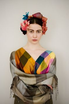 Love this Frida Kahlo look