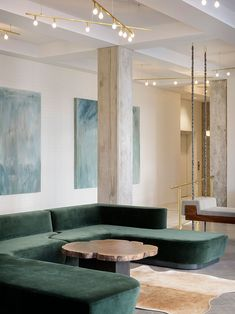 Housed within the historic Oregon Pioneer Building and with a brand new lobby space designed by Jessica Helgerson, Hi-Lo Hotel in Portland promises a cool and relaxed version of luxury.Hi-Lo Hotel Lobby in Portland, Oregon by Jessica Helgerson Luxury Homes Interior, Luxury Home Decor, Home Interior Design, Room Interior, Nordic Interior, Interior Livingroom, Classic Interior, Design Interiors, Apartment Interior