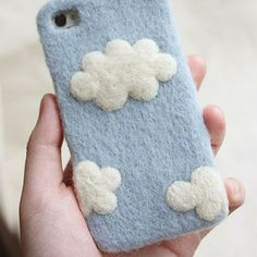 Price:$29.99 Color: Blue Material: Plastic/Wool Felt Sweet cloud felt phone case for iphone 4s/5