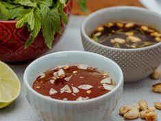 Sauces vietnamiennes de base pour rouleaux de printemps | Mordu Sauce Hoisin, Sauces, Sushi, Chili, Dips, Soup, Asian, Desserts, Butter