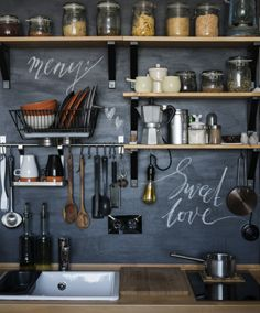 To become a great chef at home, have a well-organized kitchen with everything at hand.