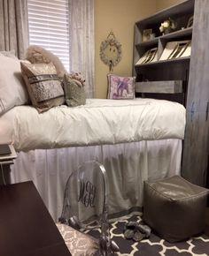 Glamorous Dorm Room Bedding At University Of Alabama Presidential Shelving From