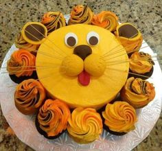 Home Decor Contemporary The cutest lion baby shower cake with cupcakes.Home Decor Contemporary The cutest lion baby shower cake with cupcakes Pull Apart Cake, Pull Apart Cupcakes, Fun Cupcakes, Cupcake Cakes, Dinosaur Cupcakes, Cupcakes Decorating, 3d Cakes, Cupcake Ideas, Lion Birthday Party