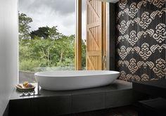 Tessuti, arte del mosaico dei maestri veneziani. http://www.sirtweb.it/?p=2519  #sirtweb #appiani #mosaici #design #interiordesign #bathroom #arredobagno #home
