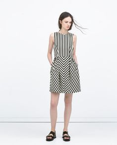 ZARA - WOMAN - V-NECK DRESS  Price: 79.90 Composition: Cotton, Polyester, Elastane