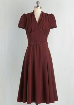 Radio Hour Dress in Wine. Though those tuned in to your radio station cant see the retro silhouette of this burgundy midi dress, you host a show that has them imagining the vintage-inspired scene! #red #modcloth